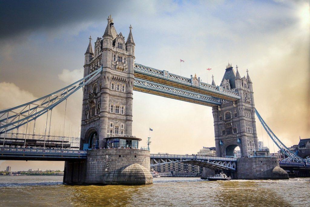 Tower Bridge um dos lugares imperdíveis de Londres