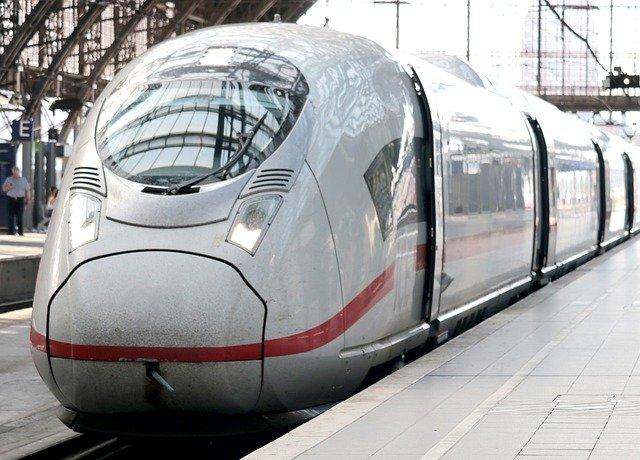Trem é um dos meios de transporte na Europa