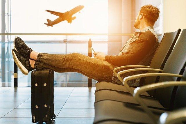 Pessoa no aeroporto